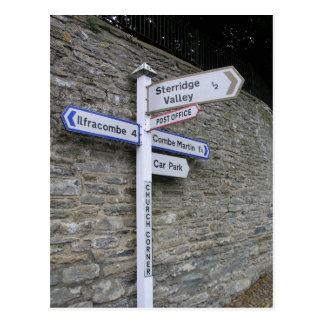 Poste indicador en Berrynarbor, Devon del norte, Tarjeta Postal