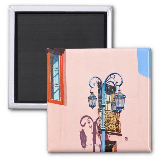 Poste y edificios pintados, Caminito, La de la lám Iman