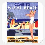 Poster 1925 del viaje de Miami Beach Calcomanías Cuadradass