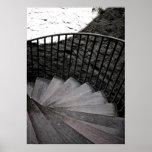Poster blanco y negro de la escalera espiral