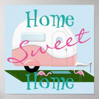 Poster casero dulce del campista rosado