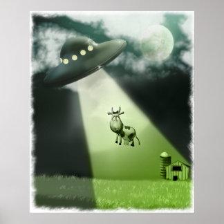 Poster cómico de la abducción de la vaca del UFO