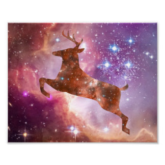 Poster cósmico de los ciervos que salta a través d