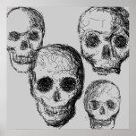 Poster de cuatro cráneos. Negro y gris