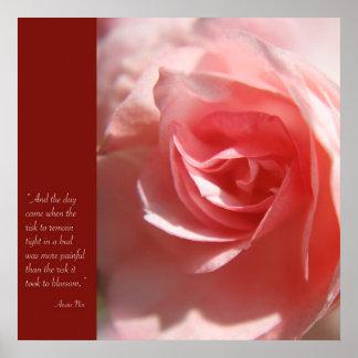 Poster de la cita de Anais Nin en rosa
