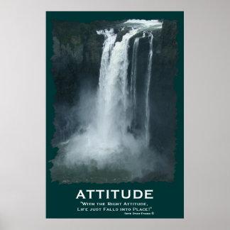Poster de motivación de la ACTITUD de la cascada