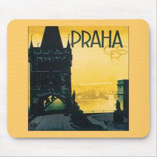Poster de Praga del vintage (Praga) Alfombrillas De Ratón