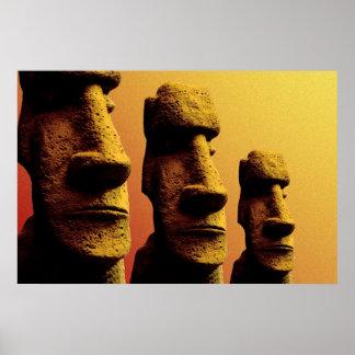 Poster de tres Moai
