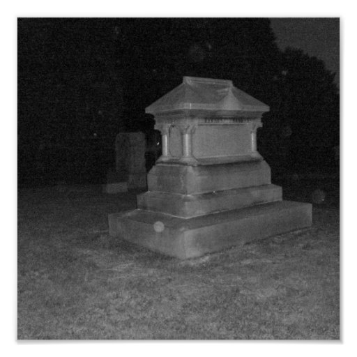 Poster del cementerio de la noche de B&W