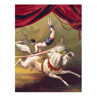 Poster del circo que muestra al acróbata que se postal