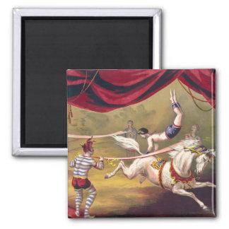 Poster del circo que muestra al acróbata que se re imán cuadrado