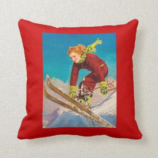 Poster del esquí del vintage, esquiador en declive cojin