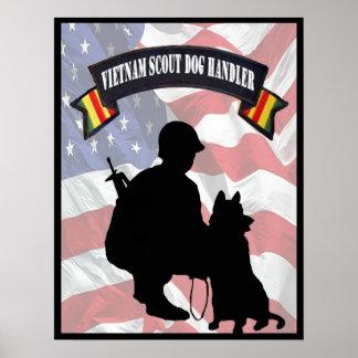 Poster del manipulador de perro del explorador de  póster