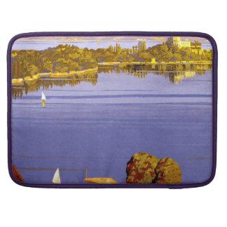 Poster del viaje de Garda del lago vintage Funda Para Macbooks