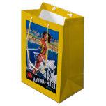 Poster del viaje del puerto deportivo de Massa Bolsa De Regalo Mediana