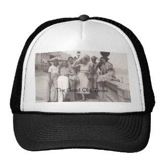 Poster del viaje del vintage blanco y negro gorras