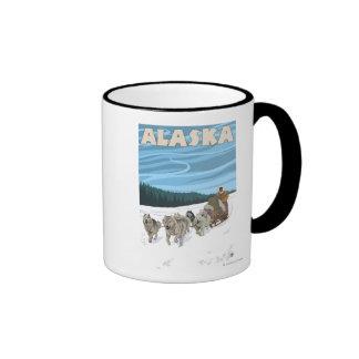 Poster del viaje del vintage de AlaskaDogsledding Taza De Café