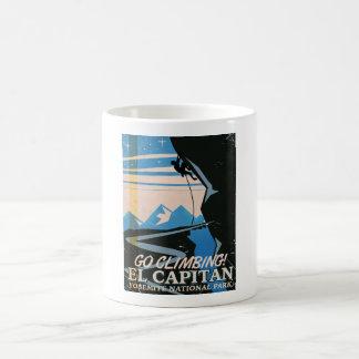 Poster del viaje del vintage del EL Capitan Taza Básica Blanca