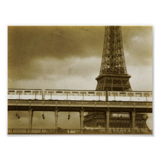 Poster del vintage de la torre Eiffel