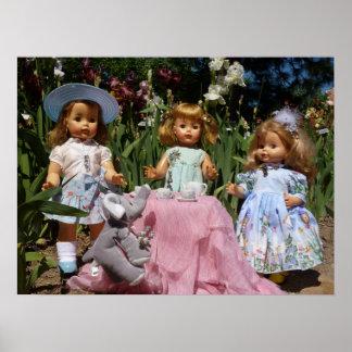 Poster elegante de la fiesta del té de las muñecas