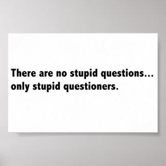 Poster estúpido de las preguntas