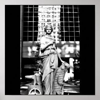 Poster-Love Art House-Statue 3