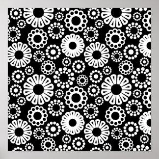 Poster negro retro de las flores blancas