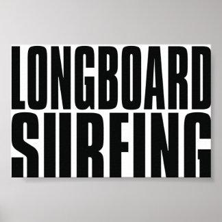 Poster que practica surf de Oxygentees Longboard