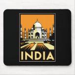 poster retro del art déco del Taj Mahal la India Tapetes De Ratones