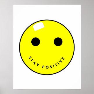 Poster sonriente positivo de la estancia