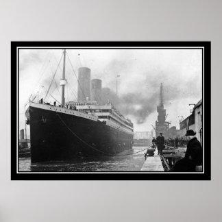 Poster titánico de la foto del vintage del muelle