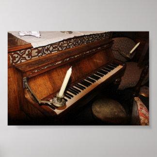 Poster viejo del piano