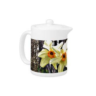 Posterized Daffodils Teapot