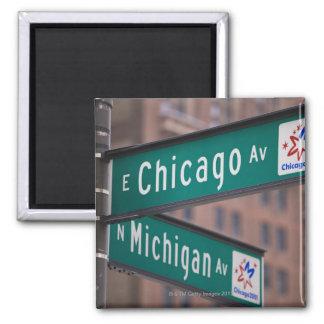 Postes indicadores de la avenida de Chicago y de Imán Cuadrado