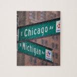 Postes indicadores de la avenida de Chicago y de Puzzle