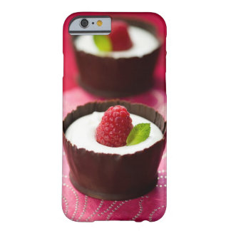 Postre blanco del mousse de chocolate funda barely there iPhone 6