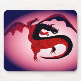 Postura combativa del dragón alfombrillas de ratones