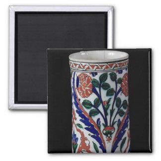 Pot with a floral decoration, Iznik Magnet