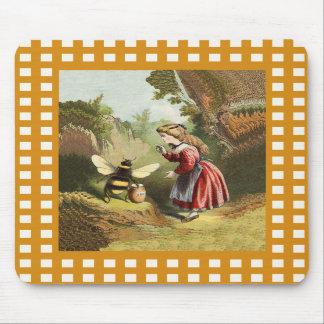 Pote de la miel de la niña de la abeja del vintage alfombrillas de ratón