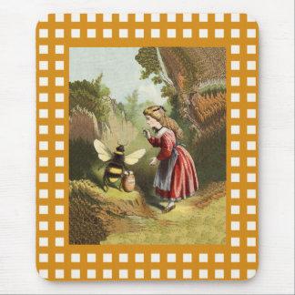 Pote de la miel de la niña de la abeja del vintage alfombrilla de ratón