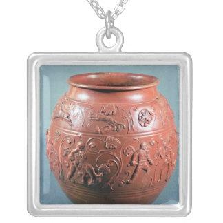 Pote de Sigillated, de Lezoux, Puy-de-Bóveda Collar Plateado
