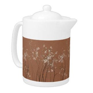 Pote del té del bosque de la flor blanca