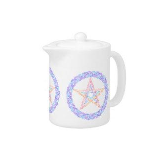 Pote mágico del té del Pentagram pagano colorido