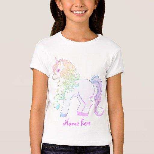 Potro coloreado arco iris lindo del unicornio del playera