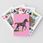 Potro negro corriente del potro del caballo baraja cartas de poker