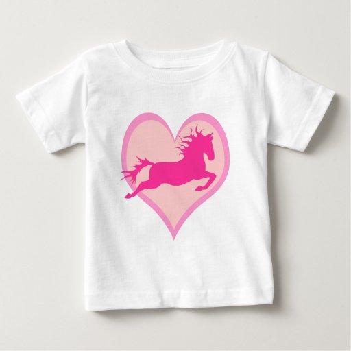 Potro y corazón de salto rosados playera de bebé