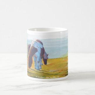 Potros de Dartmoor y pintura de paisaje brumosa Taza De Café