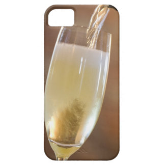 Pouring champagne iPhone SE/5/5s case