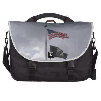 POW/MIA y bandera americana Bolsa De Ordenador