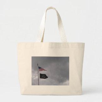 POW/MIA y banderas americanas #2 Bolsa De Mano